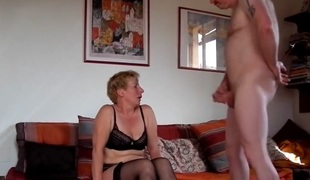 Milf sucks bonks and squirts