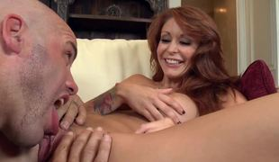 A milf opens her legs to her boyfriend and she gets licked there