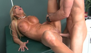 Blond mommy in stockings Amber Lynn banged in hospital