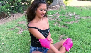 Rollerblading babe meets a guy and spikes herself on his hard ramrod