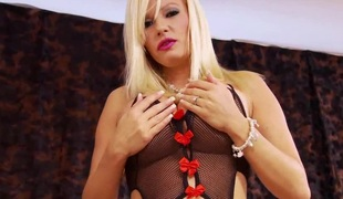 Horny blond MILF with big boobs Michelle Thorne