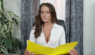 Gorgeous Boss Employs Hot Wang For He Pussy