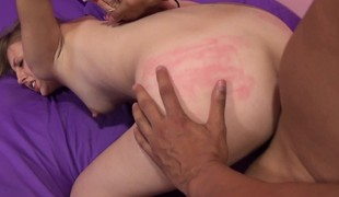 Jenna Marie has a hung guy giving her peach the attention it deserves