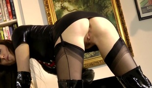 Euro older in schoolgirl outfit pussylicked