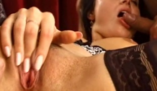 Wicked and ravishing porn hottie treats cock a hawt and naughty blowjob