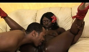 Bootylicious chocolate honey with diminutive boobs wildly copulates a dark prick