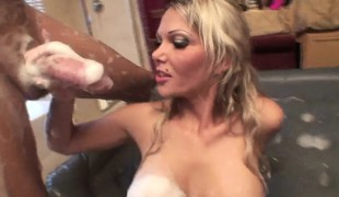 Voluptuous blonde Anna Nova shows off her outstanding massage skills