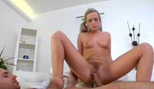 amatør blonde blowjob lingerie strømper