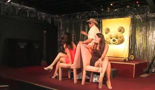 Lap dances for the amateur club girls from hawt male strippers