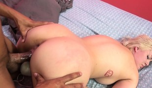 Buxom golden-haired Jenna Ivory has a black bull taking care of her desires