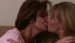 Deauxma & Porsche Lynn in Road Queen #04, Scene #01