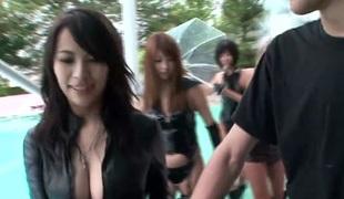 asiatisk sædsprut gruppesex handjob strømper