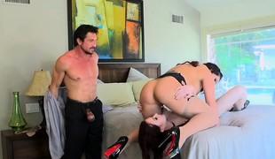 naughty-hotties.net - Lucky spouse