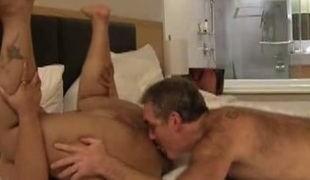 Rug munch and missionary style pounding for juicy lady