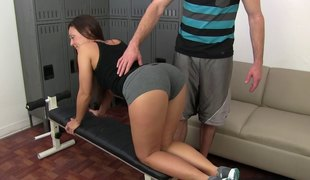 In the locker room her physical therapy turns into fuck therapy