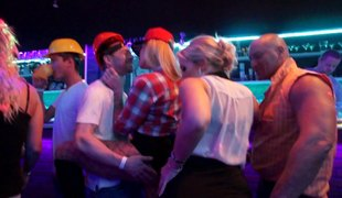Stripping construction workers turn on night club ladies