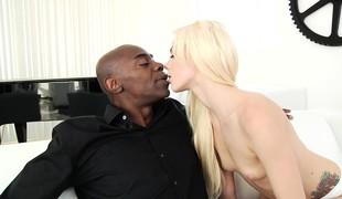 tenåring blonde blowjob sædsprut små pupper