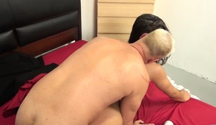 Breasty brunette honey Tomi Taylor relishes the cookie drilling session