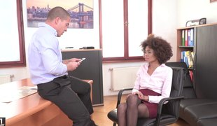 Gorgeous Luna Corazon wants to play with a fortunate man's schlong