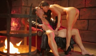 Provocative Oriental bombshell Asa Akira fucked in the dungeon