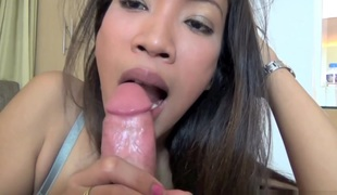 synspunkt milf blowjob små pupper asiatisk