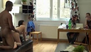 amatør små pupper interracial hanrei tysk