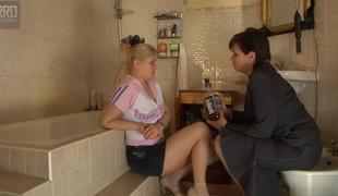lesbisk strømper fingring moden cunnilingus
