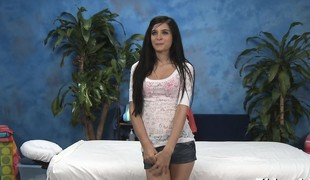 Nasty sweetheart bonks and gives a hawt massage!