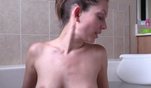 POV BJ Facial In Bathtub