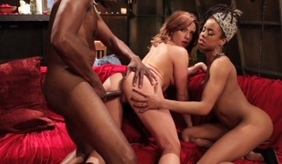 Bailey Blue in This Ain't American Horror Story XXX - HustlerParodies