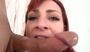 Redhead Sean Lawless spends time fingering her wet aperture