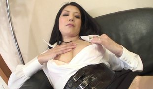 Hirsute cunt of a hard nipples girl enjoys erotic pleasure