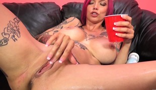 Tattooed slut with big round tits Anna gets her chick gap screwed deep
