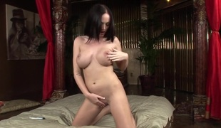 Melissa Lauren Shows Her Perfect Pussy