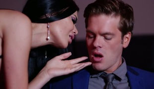 Raunchy dude fucks gorgeous babe Jasmine Jae in different positions before good oral job scene