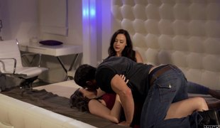 Hot brunette gal bangs with a hung dude whilst her BFF watches