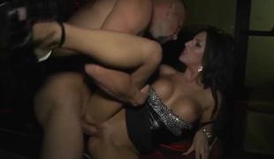 Jmac gets sucked good by busty doxy Kortney Kane