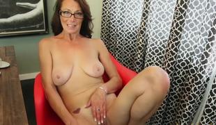 Mimi Moore in Masturbation Clip - AuntJudys